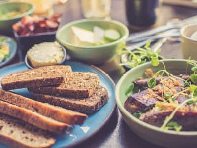 Consejos para una buena alimentación en personas mayores