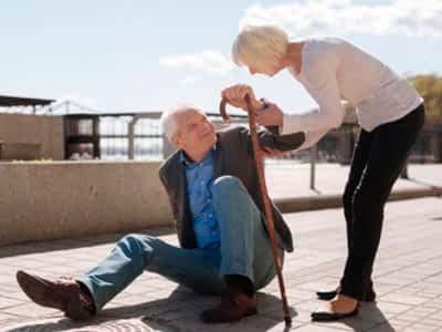 ¿Como evitar caídas de personas mayores en el hogar?